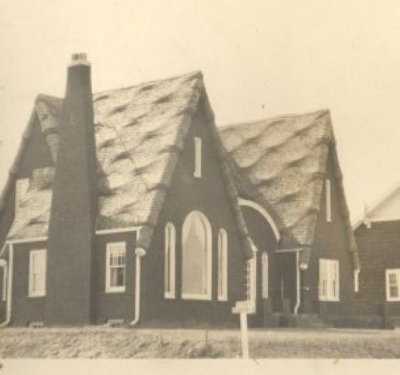 Lee Koser's Golfview Avenue house in 1929, shortly after it was built.